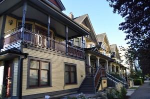 1024px-Vancouver_-_Mole_Hill_19